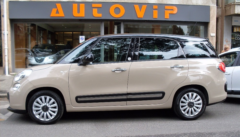 fiat 500l living 1 6 multijet 120cv lounge 7 posti b color. Black Bedroom Furniture Sets. Home Design Ideas